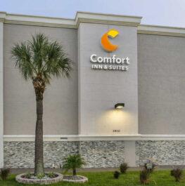 Comfort Inn & Suites Clearwater – St. Petersburg Carillon Park