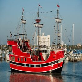 Pirate Ship Clearwater Beach Tour with Lunch Included