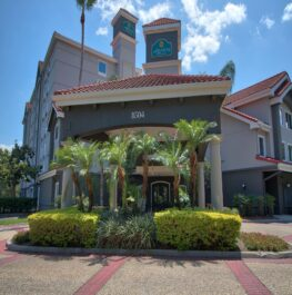 La Quinta Inn & Suites by Wyndham Orlando International Drive/Convention  Center